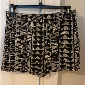 Black and Tan printed Mossimo pull on shorts